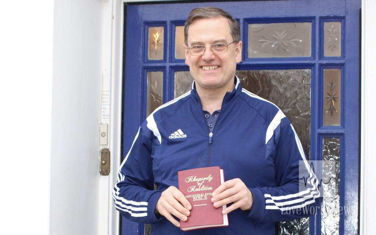 Black Horse Cottage and Britain Hotel Receives Rhapsody Bibles