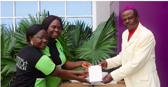 A Minister Receives A FREE Bible